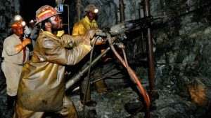 south-african-mine-workers